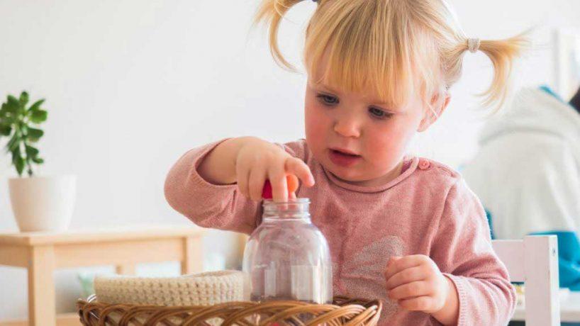 Kaj podariti malčku med 18. in 24. mesecem starosti