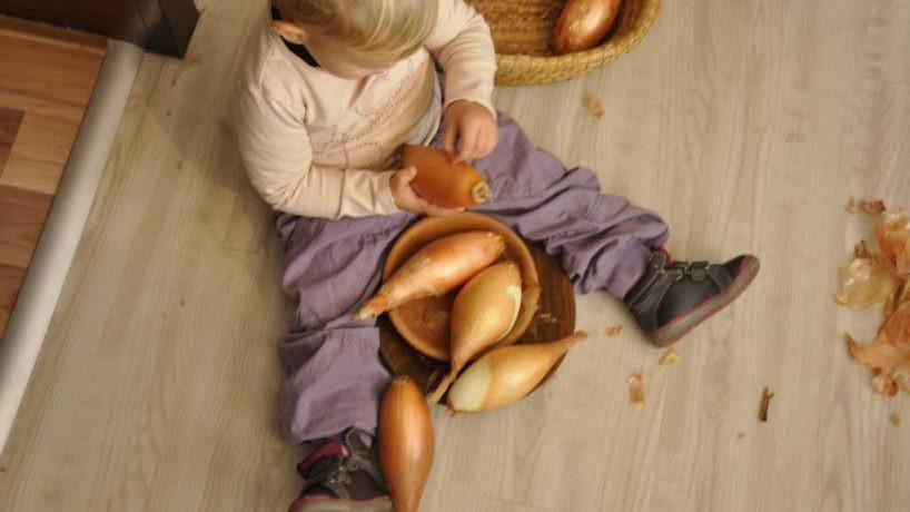 Kako uporabiti načela montessori vsak dan